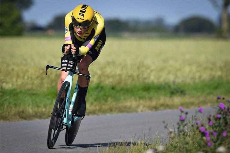 """Tom Dumoulin niet wild van virtueel koersen: """"Wout van Aert is normaal de koning van vermogens trappen en werd pas 10e in de Ronde"""""""