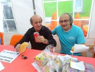 """Radiozender rouwt om coronaslachtoffer John (73): """"Hij was een pionier"""""""