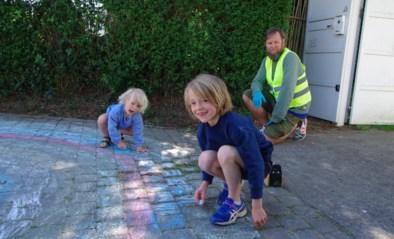 Stoepkrijt houdt kinderen bezig en brengt warmte in de wijk