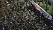 Betogen in tijden van corona: duizenden Israëliërs trekken de straat op tegen premier, maar houden wel afstand