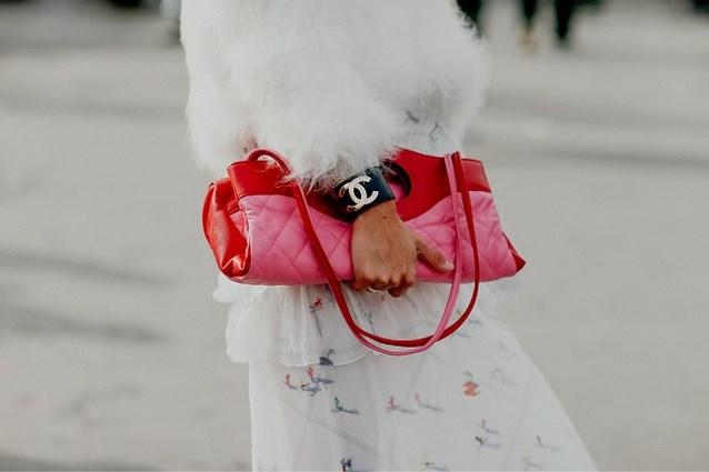 Van Chanel tot Louis Vuitton: modehuizen veilen stuks vanaf 100 euro voor strijd tegen corona