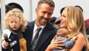 Blake Lively kan het niet laten: lachen met het staartje van Ryan Reynolds