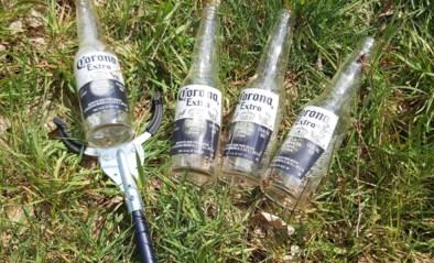Boswachter krijgt nieuwe grijper en moet meteen vier flesjes Corona Extra uit Zoerselbos oprapen
