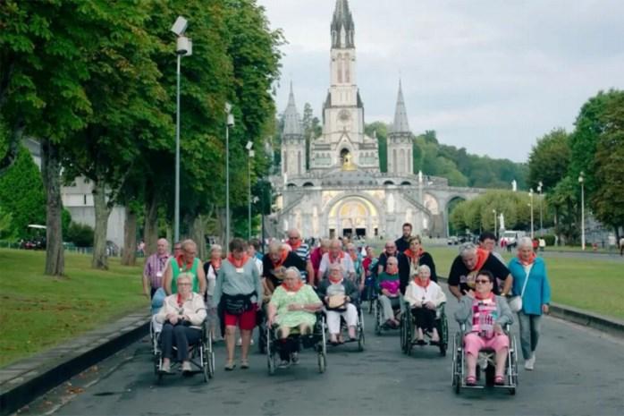 Bon vivant Pascal Braeckman en rocker Jan Van Eyken bereiden hun pensioen voor in Lourdes met nieuw programma 'Twee tinten grijs'