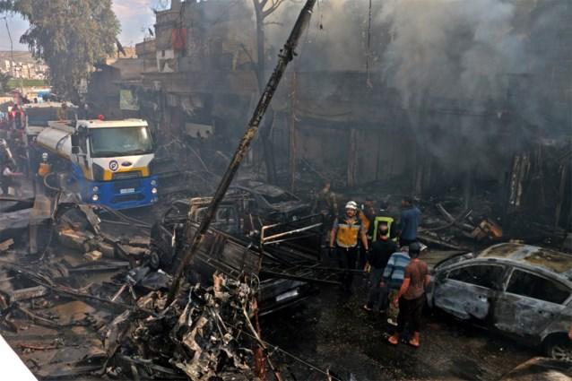 Bijna 50 doden bij ontploffing van tankwagen in noorden van Syrië