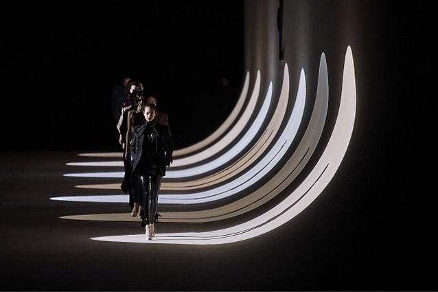 Saint Laurent neemt drastische beslissing en schrapt zich van de modekalender