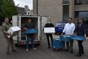 """Chef-kok bereidde al 1.500 maaltijden voor zorgpersoneel: """"We blijven niet bij de pakken zitten, wat niet kan gezegd worden van de politiek"""""""