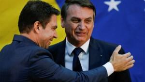 """Omstreden president van Brazilië lijkt gevloerd door zijn eigen goudhaantje: """"Alsof hij vraagt om afgezet te worden"""""""