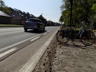 """Lille rekent af met moordstrookjes aan Vlimmersebaan: """"Het fietspad was al lang een doorn in het oog"""""""
