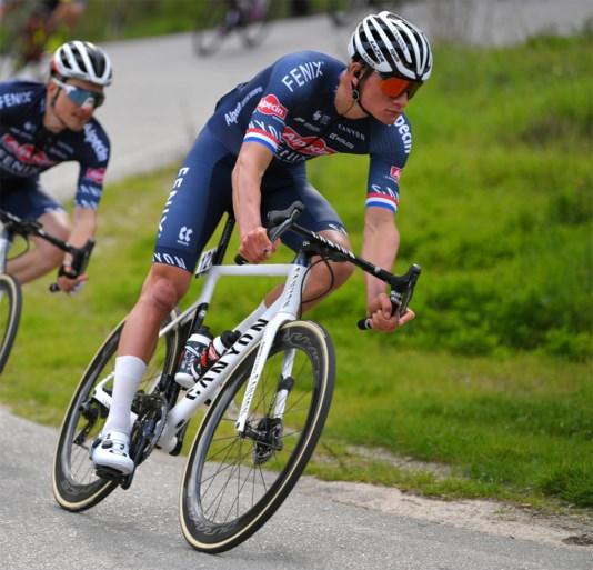 UCI herbekijkt regels voor deelname van ploegen: lonkt de Tour voor Mathieu van der Poel?