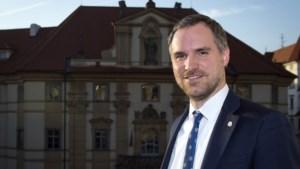In het vizier van een Russische spion met gif: hoe langlopende ruzie met het Kremlin lijkt te escaleren voor burgemeester van Praag