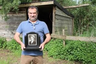 Peter Sterck vindt in zijn weide plots granieten fotoblok bestemd voor grafzerk