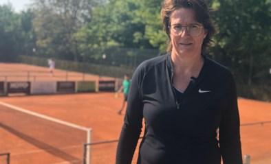 """Ann ziet reserveringen in haar tennisclub de pan uitswingen: """"Hopelijk wordt het nog een mooie zomer"""""""