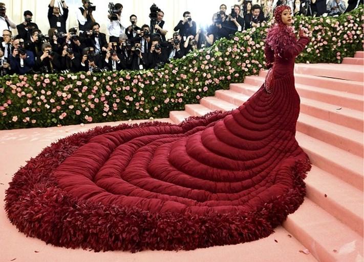 Geen Met Gala, maar dit waren de meest spectaculaire jurken van de voorbije jaren