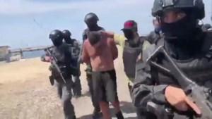 """Venezuela arresteert acht mensen na """"poging tot staatsgreep"""" met aanval op kust"""
