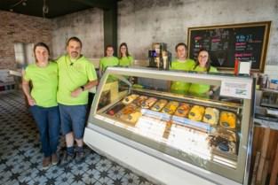 """Bakker in Deurne wordt voltijds ijsmaker: """"In een ijssalon staan is nog toffer dan in een bakkerij"""""""