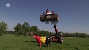Melkveeboeren kwaad op Europese Unie en dat laten ze zo zien