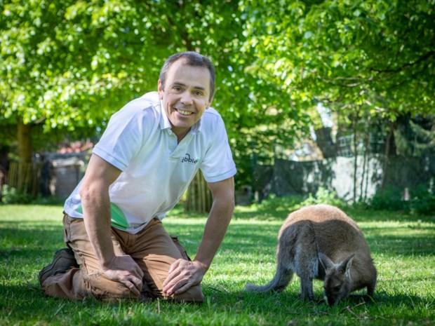 """Sam (48) wilde zijn tuin met trampolines en dieren delen met de buurt, maar moet die sluiten na klacht: """"Het was hier geen openbare speeltuin"""""""