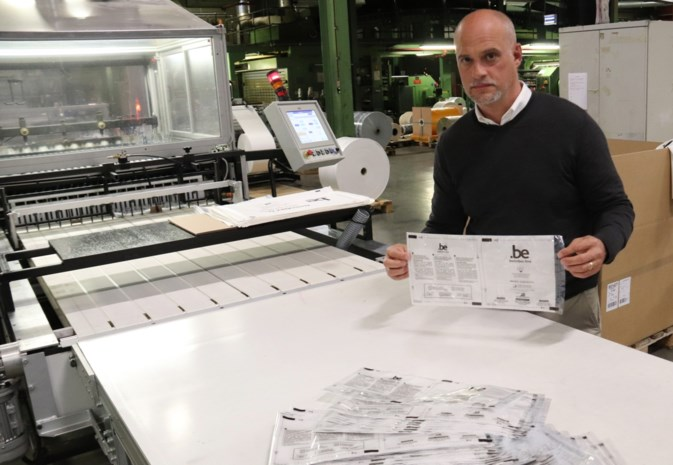 """16 miljoen filters voor mondmaskers komen uit Webbekom: """"Onze machines draaien de klok rond, zeven dagen op zeven"""""""
