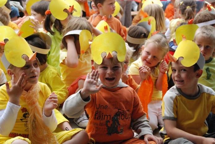 Bang afwachten op een vrijgekomen plekje: capaciteitsproblemen in scholen rond Brussel blijven ouders kopzorgen geven