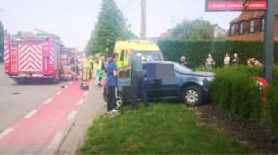 Motorrijder uit Zottegem overleden na zwaar ongeval in Zwalm, bestuurster auto zwaargewond