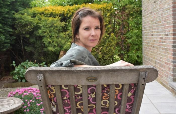 """Séverine (35) getuigt over leven met ME/cvs: """"Ik sta elke dag slecht op"""""""