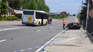 Autobestuurder levensgevaarlijk gewond na botsing met Lijnbus, buschauffeur test positief op drugs