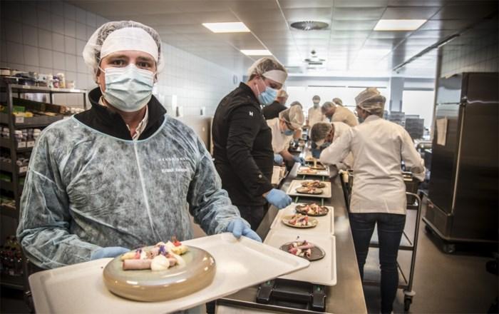 """Koks met een hart na 15.000 maaltijden voor helden van de zorg: """"In die acht intensieve weken zijn we allemaal vrienden geworden"""""""