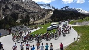 """UCI-voorzitter Lappartient hoopt dat peloton compleet blijft: """"Enkele teams hebben meer problemen dan andere ploegen"""""""