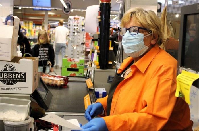 Wat als de kassierster in uw supermarkt ook ziek wordt? Moeten alle klanten dan opgespoord worden?