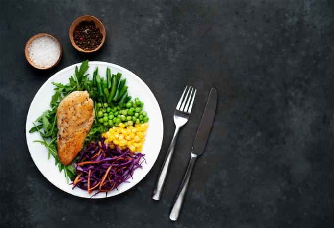 Gril je biefstuk en eet beter aardappelen dan pasta: met deze tips leer je gevarieerd 'koken in uw kot'