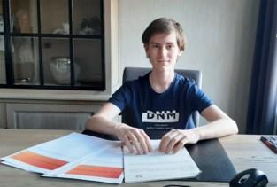 Op school leert hij er amper over, maar toch wint Siebe (13) Informatica Olympiade