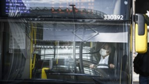 Personeel van De Lijn dreigt met staking als alle bussen niet snel uitgerust zijn met schermen