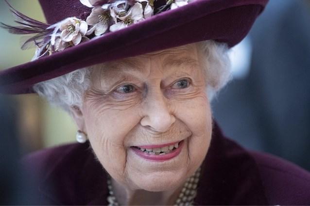 """Queen Elizabeth stelt koninklijke opdrachten voor """"onbepaalde tijd"""" uit"""