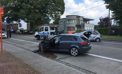 Grote middelen ingezet voor crash tussen twee voertuigen
