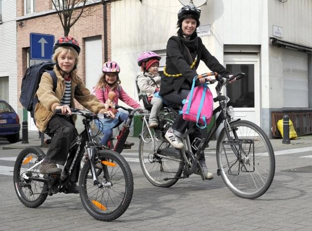 """Auto vanaf vrijdag niet welkom aan Gentse schoolpoorten: """"Kom met de fiets of te voet"""""""