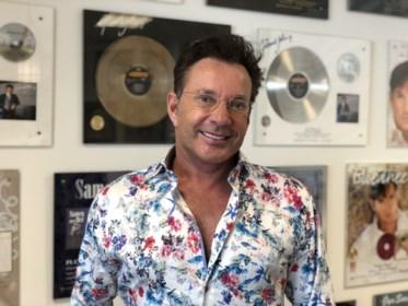 """Gerard Joling (60) blikt terug op zijn leven én deelname aan Eurosong in 1988: """"Het leven gaat om de duit en de fluit"""""""