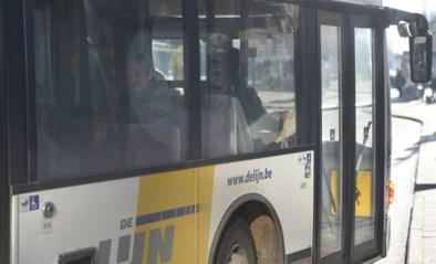 Twee gewonden bij crash aan bushalte