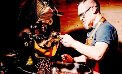 """Chris erkend als ambachtelijke koffiebrander: """"Ik ben nu officieel een vakman, alleen mijn vrouw nog overtuigen"""""""