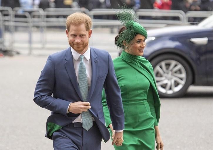 """Harry en Meghan duiken plots op in vergadering van zorgpersoneel: """"Ik ben in shock"""""""
