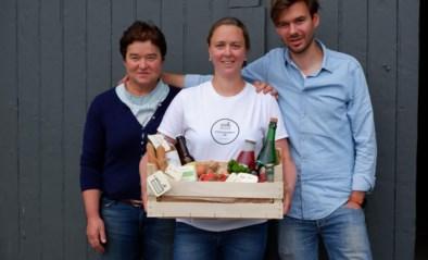 Boerenfamilie start met verkoop krat vol lokale producten