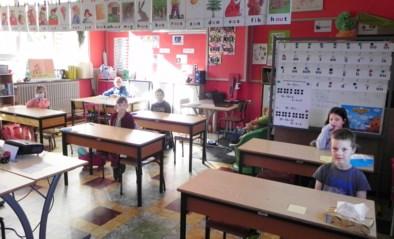 """Amper zes leerlingen dagen op in schooltje dat eind juni sluit: """"We hadden een ander afscheid voor ogen"""""""