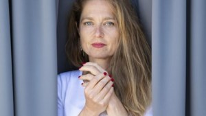 """Relatiedeskundige Rika Ponnet meet het lockdowneffect op ons liefdesleven: """"Ik ga ervan uit dat veel relaties zullen sneuvelen"""""""
