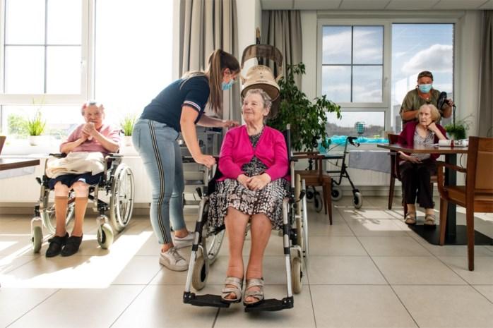 """Woon-zorgcentra klaar voor bezoek: """"Ik schaamde me omdat ik besmet was geraakt"""""""