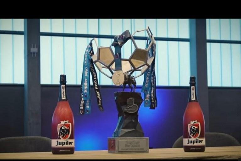 "Kersvers kampioen Club Brugge viert titel met deejay Clinton Mata én ""titelwedstrijd"""