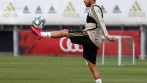 """Eden Hazard staat voor terugkeer: """"Geweldig om weer bij de groep aan te sluiten"""""""