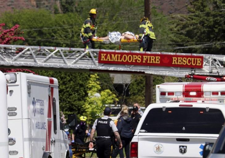 Vliegtuigje stort neer tijdens eerbetoon aan Canadese inspanningen tegen coronavirus: bemanningslid overleden