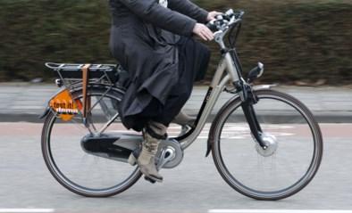 Veertiger veroordeeld tot 1 jaar cel voor inrijden op politie met elektrische fiets