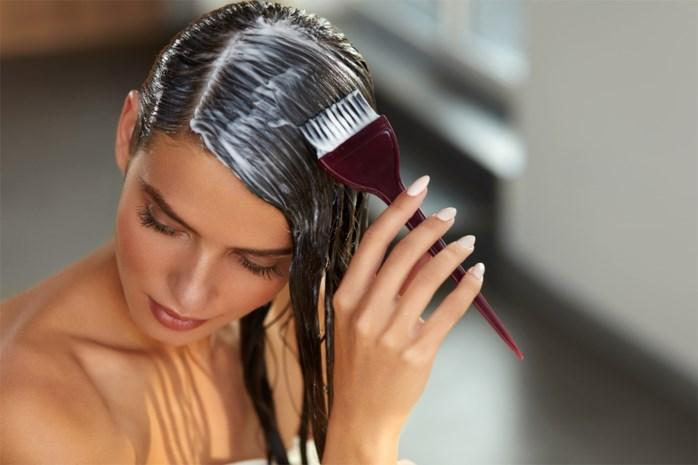 """""""Hoe verwijder ik vlekken haarverf van mijn huid?"""""""