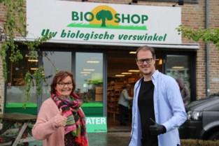 """Linda (60) was met haar Ekowinkel een pionier in 'duurzaam leven': """"Ik ben trots op mijn levenswerk"""""""